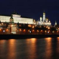Nachtelijk beeld op het Groot Kremlinpaleis