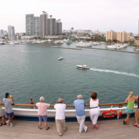 Mensen aan de Haven van Miami