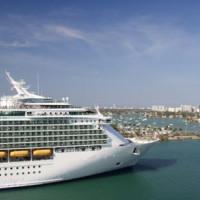 Cruiseschip in de Haven van Miami