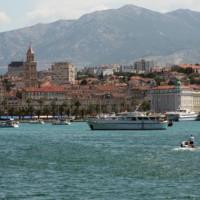 Zeezicht op de haven van Split
