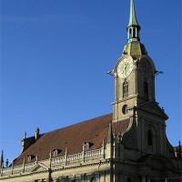 Zicht op de Heiliggeistkirche