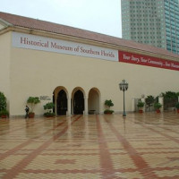 Plein aan het Historical Museum of Southern Florida