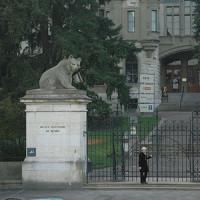 Ingang van het Historisch Museum van Bern