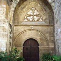 Deur van de Iglesia de San Juan del Hospital