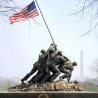 Zicht op het Iwo Jima Memorial