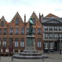 Standbeeld van Jan van Eyck