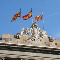 Vlaggen aan het Plaça Sant Jaume