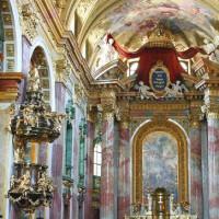 Binnen in de Jesuitenkirche