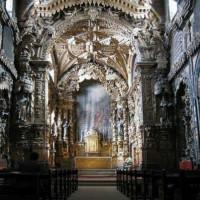 Binnen in de Igreja de Santa Clara