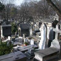 Grafstenen op het Kerkhof Père-Lachaise