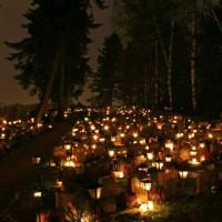 Lampjes op het kerkhof van Hietaniemi
