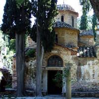 Pittoresk zicht op het Kessariani Klooster