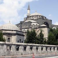 Zicht op de Kiliç Ali Pasa Moskee