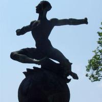 Standbeeld van Oscar Bider