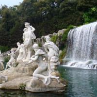 Beelden bij het Koninklijk Paleis van Caserta