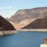 Oevers van Lake Mead