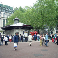 Mensen op Leicester Square