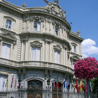 Voorkant van het Palacio de Linares