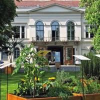 Zicht op het Petöfi Literatuurmuseum