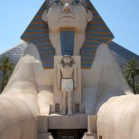 Ingang van het Luxor