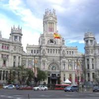 Verkeer voor het Palacio de Comunicaciones