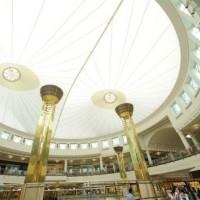 Binnen in de Mall of the Emirates