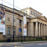 Voorkant van de Manchester Art Gallery