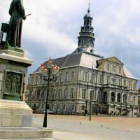 Standbeeld op de Markt van Maastricht