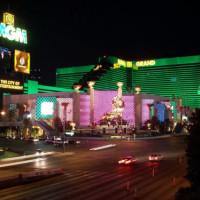 Nachtbeeld van het MGM Grand