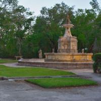 Bouwwerk in de Vizcaya Gardens