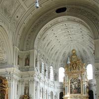 Binnen in de Michaelskirche