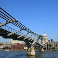 Beeld van de Millennium Bridge