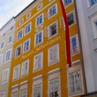 Gele gevel in Salzburg