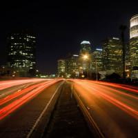 Nachtbeeld op Mulholland Drive