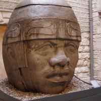 Kunstwerk in het Museu Barbier-Mueller d'Art Precolombi