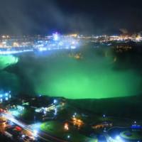 Lichtspel aan Niagara Falls