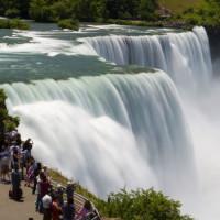 Bezoekers van Niagara Falls