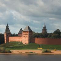 Zicht op de muren van Novgorod
