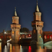 Twee torens van de Oberbaumbrücke