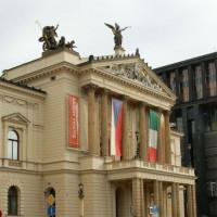 Gevel van de Staatsopera van Praag