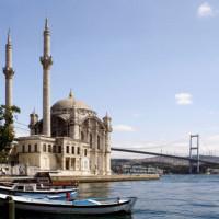 Zicht op de Ortaköy Moskee