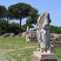 Beeld in Ostia Antica