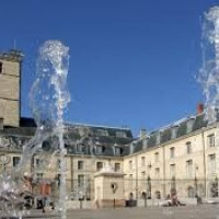 Fonteintjes aan het Palais des Ducs