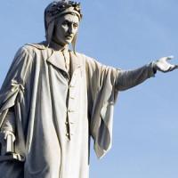 Standbeeld op het Piazza Dante