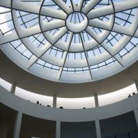 Binnen in de Pinakothek der Moderne