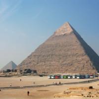 Vergezicht op de Piramide van Chefren