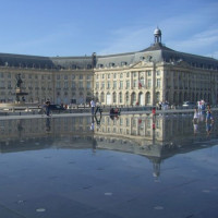 Straatbeeld van de Place de la Bourse