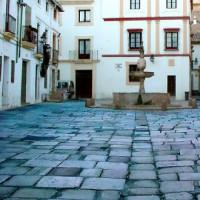 Zicht op de Plaza del Potro