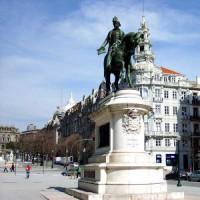 Standbeeld op het Praça da Liberdade