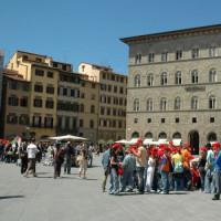 Toeristen op het Piazza della Signoria